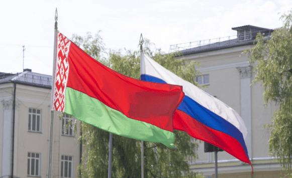 Главы аграрных ведомств России и Беларуси обсудили сотрудничество в сфере АПК